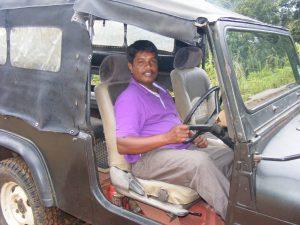 SinharajaNeelJeep